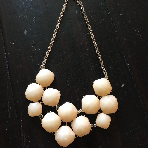 Jewelry - White statement necklace